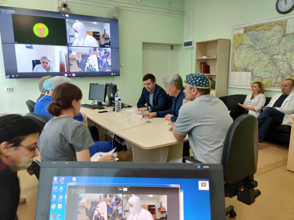 Виртуальные обходы врачей ввели в респираторном госпитале Томска